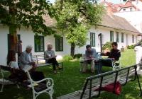 Másnap a kertben (2004.05.01.)