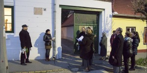 Koszorúzás Babits Mihály szülőházánál 2014.11.26.